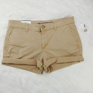 GAP | NWT Khakis by Gap Girlfriend 5 Inch Shorts